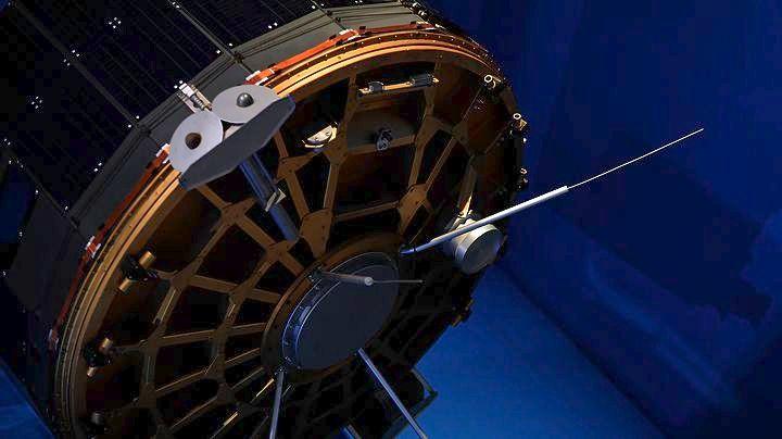 Ανανεώνεται για 20 χρόνια η σύμβαση για τη χρήση του δορυφόρου Hellas Sat