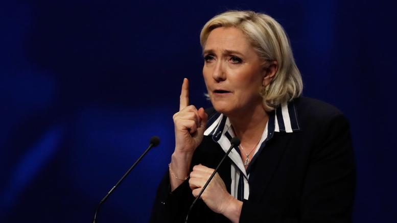 Οι γαλλικές τράπεζες έκλεισαν τους λογαριασμούς της Λεπέν