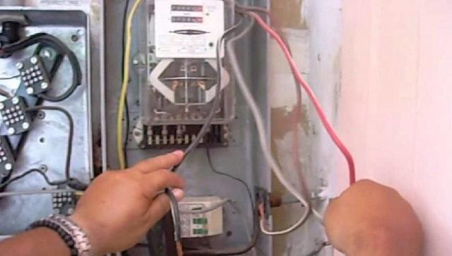 Καμπάνες από το Αυτόφωρο για τις ρευματοκλοπές στο Αλιβέρι