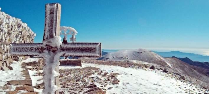 Σκηνικό βγαλμένο από ταινία: Τα πρώτα χιόνια στον Ψηλορείτη [εικόνες]