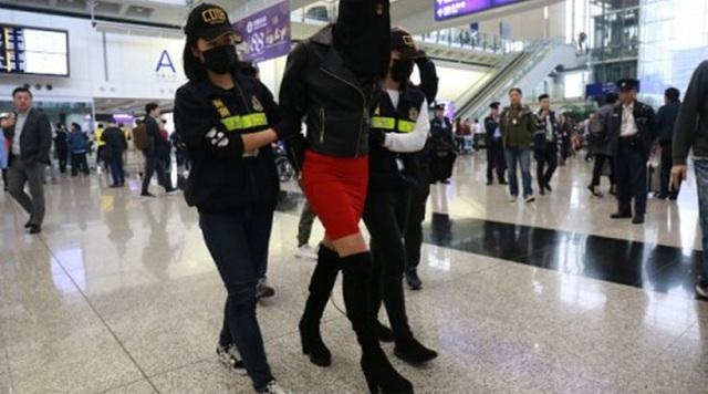 Κεχαγιόγλου: Οι γονείς της 19χρονης την έστειλαν Καλαμάτα και την είδαν στο Χονγκ Κονγκ