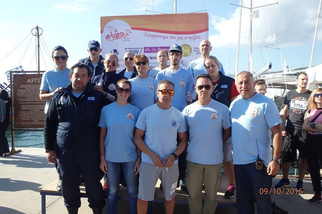 Δίπλα στους εθελοντές ο Χαράλαμπος Τσιμάς