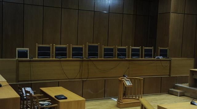 Ένταση στη δίκη για τη δολοφονία του 20χρονου στην Πεντέλη που οδήγησε σε βεντέτα