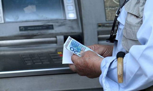 «Κουτσουρεμένα» τα αναδρομικά στους συνταξιούχους λόγω λαθών και παραλείψεων