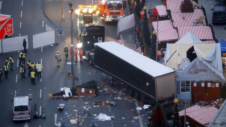 Συγγενείς θυμάτων τρομοκρατίας σε Μέρκελ: Απέτυχες!