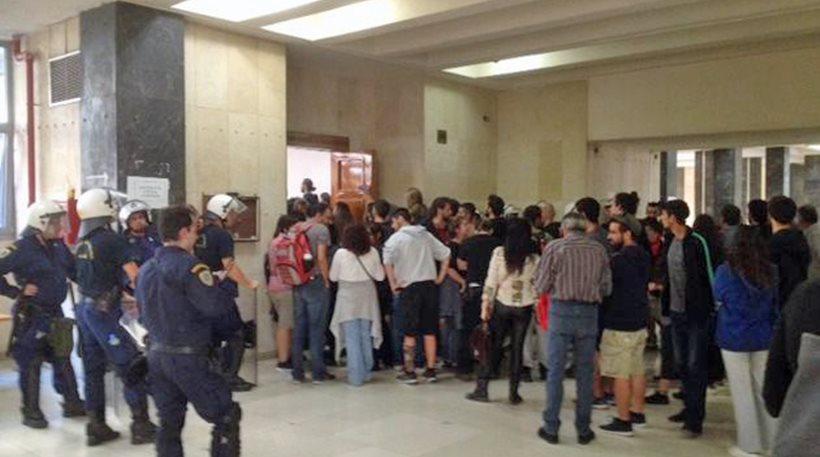 Αναβολή πλειστηριασμών λόγω ελλείμματος ...αστυνομικών