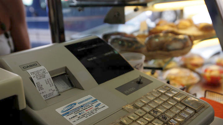 Ποιες ταμειακές μηχανές αποσύρει η ΑΑΔΕ