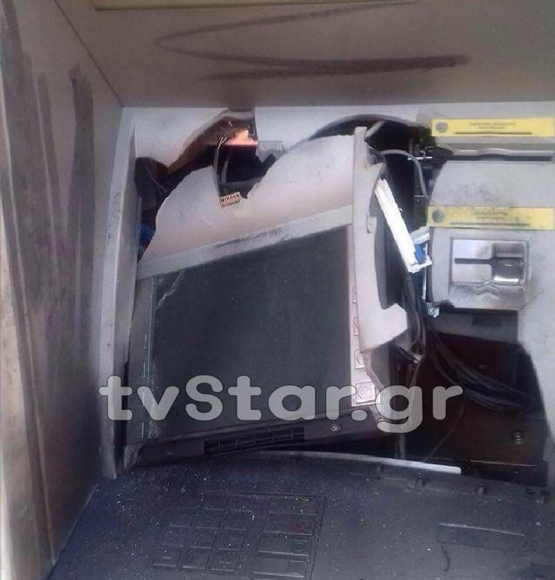 Φθιώτιδα: Διέλυσαν το ATM και πήραν τα χρήματα
