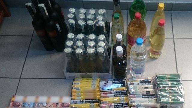 Πέντε συλλήψεις για λαθρεμπόριο ποτών και τσιγάρων