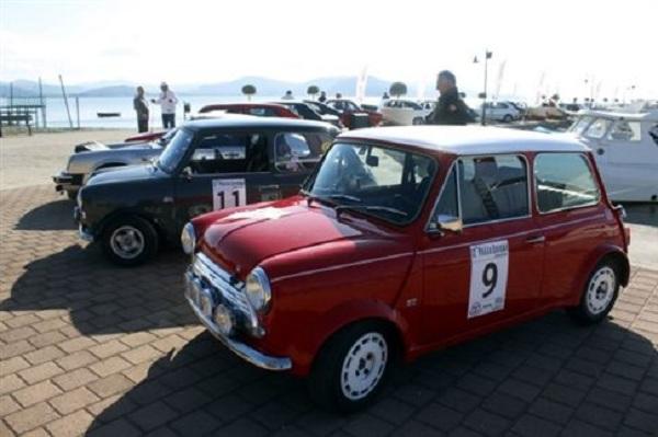 Στον Βόλο συναντήθηκαν τα θρυλικά αυτοκίνητα Mini cooper