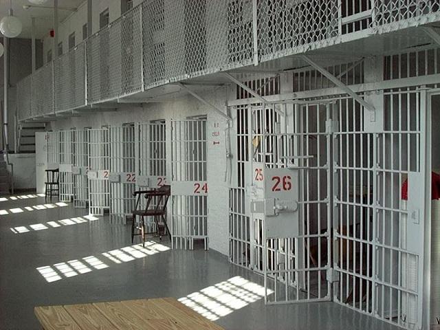Στη φυλακή 22χρονη μετά από κλοπή από σούπερ μάρκετ του Βόλου