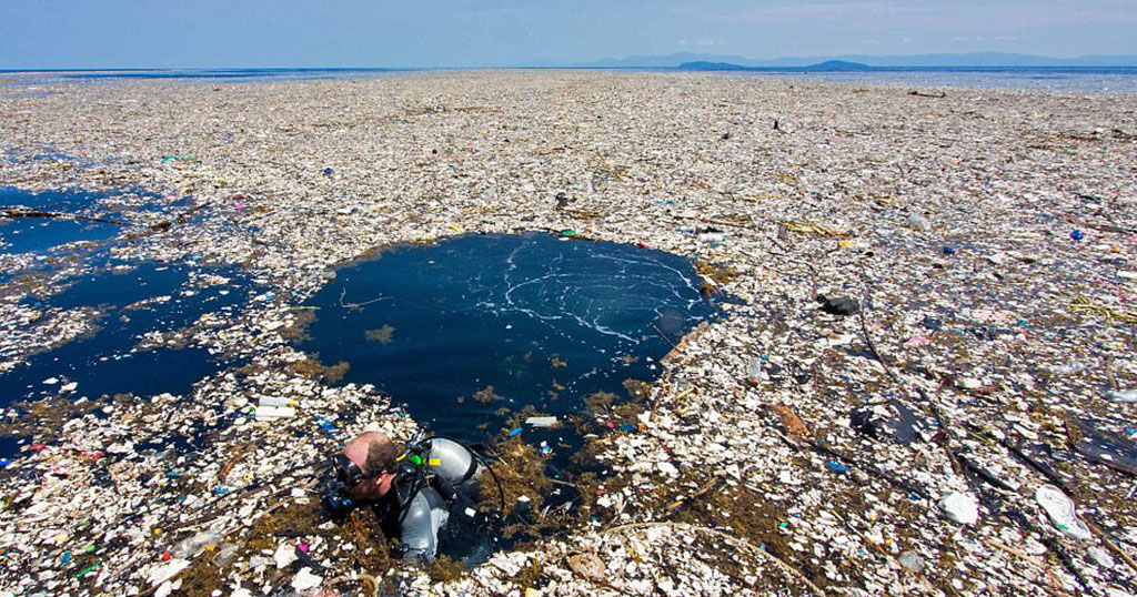 Τραγικές εικόνες δείχνουν πως τα σκουπίδια έχουν καταστρέψει νησιά της Καραϊβικής