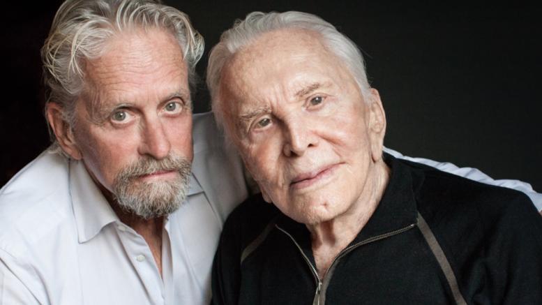 Ο Κερκ Ντάγκλας έγινε 101 ετών. Τα γενέθλια με τον γιο του Μάικλ