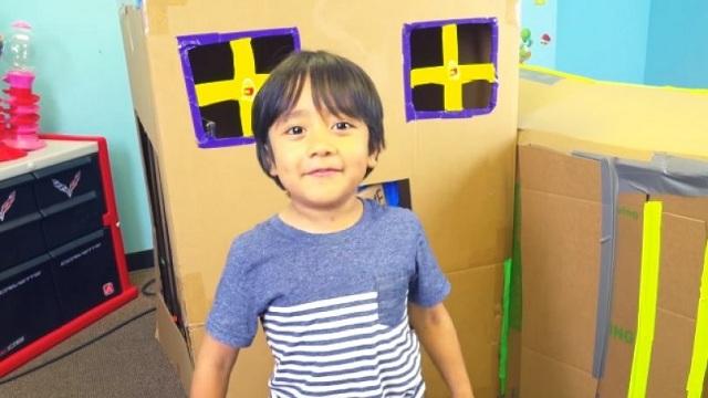 Ένας 6χρονος βγάζει 9,2 εκατ. τον χρόνο [βίντεο]