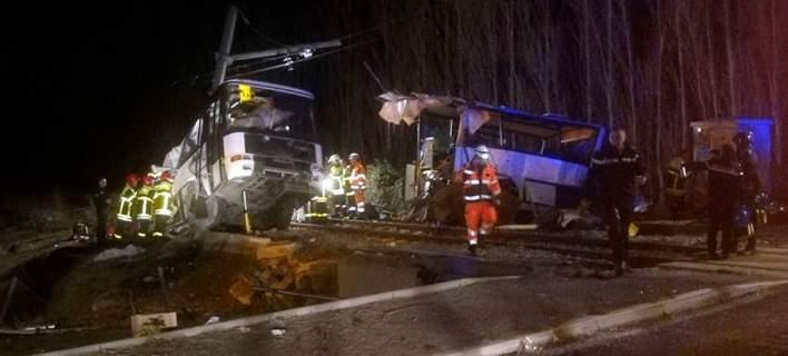 Νεκροί 4 μαθητές σε σύγκρουση τρένου με σχολικό λεωφορείο στη Γαλλία