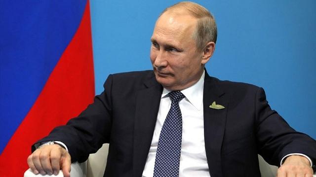 Ρωσία: Ο Πούτιν παραγράφει οφειλές φόρων 50 εκατομμυρίων ψηφοφόρων