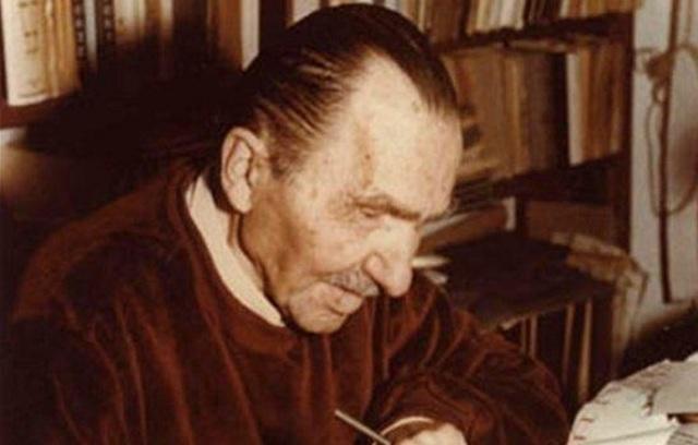 Μέλος της Διεθνούς Εταιρείας Φίλων Νίκου Καζαντζάκη, Καθηγητής του Π.Θ.
