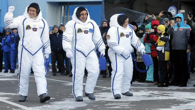 Η εντυπωσιακή εκτόξευση πύραυλου Σογιούζ στο διάστημα (vid)