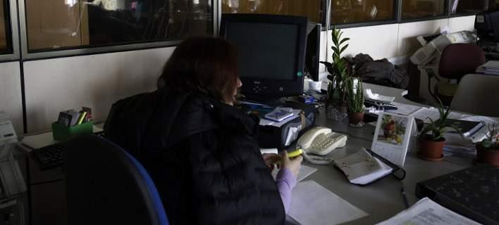 Νέο ψαλίδι έως 10% στους μισθούς των δημοσίων υπαλλήλων, από τον Ιανουάριο