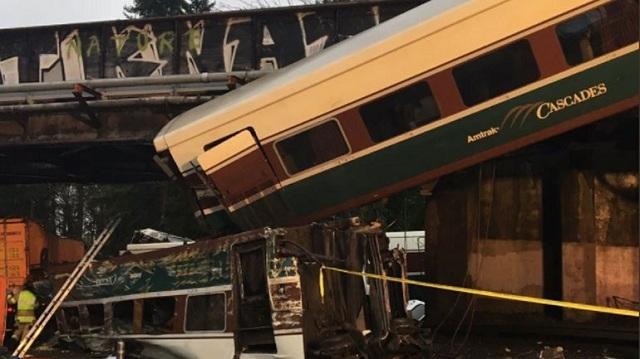 ΗΠΑ: Το τρένο που εκτροχιάστηκε έτρεχε με 130 χλμ/ώρα με όριο τα 50