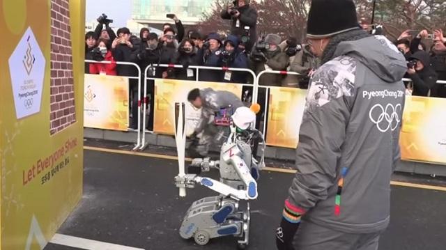 Ρομπότ-λαμπαδηφόροι για τους Χειμερινούς Ολυμπιακούς στη Νότια Κορέα