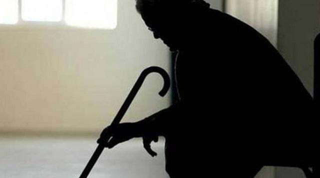Τραγικός θάνατος 70χρονου: 29χρονη πήγε να του βγάλει τη μπλούζα και τον έπνιξε