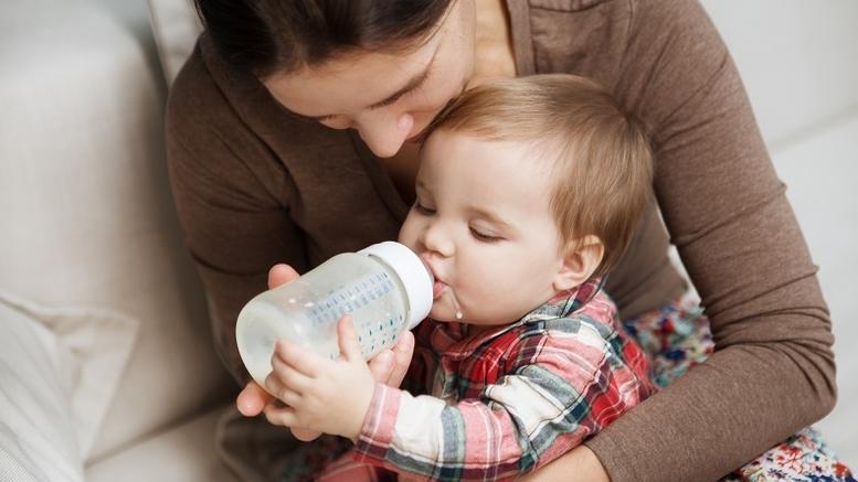 Πέντε παρτίδες παιδικό γάλα ανακάλεσε ο ΕΟΦ
