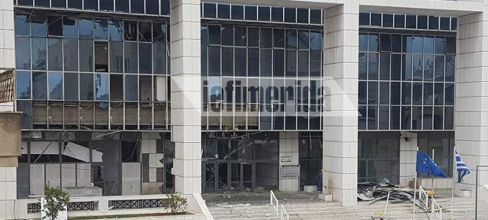 Τρομοκρατική επίθεση στο Εφετείο Αθηνών με βανάκι