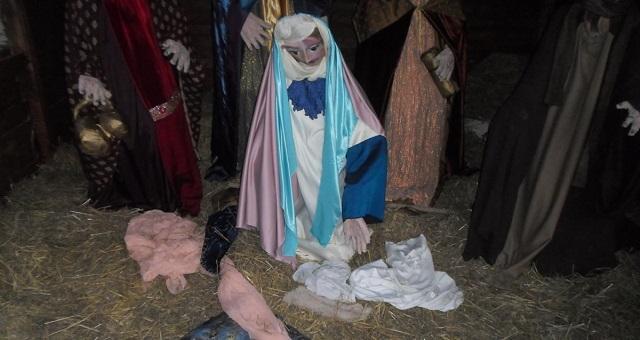 Εκλεψαν το «Θείο Βρέφος» από τη φάτνη της Κ. Πλατείας Λάρισας
