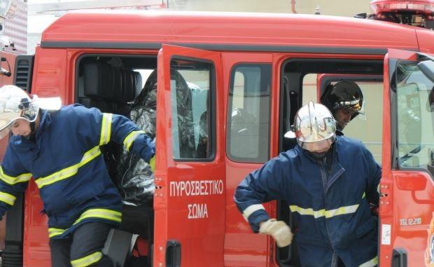 Κατέρρευσε τμήμα σκεπής σπιτιού από φωτιά στο Μαλάκι