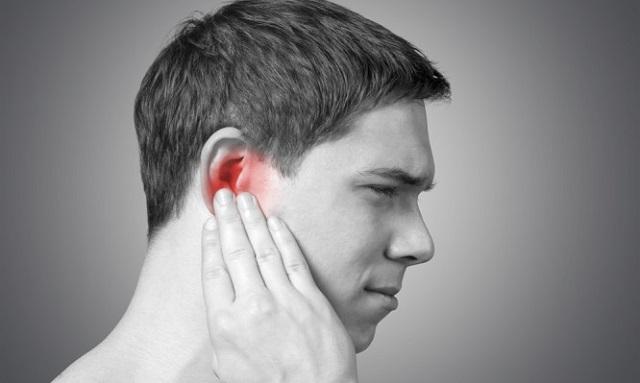 Πόνος στο αυτί: Πότε είναι από κρύωμα και πότε από μόλυνση. Συμπτώματα