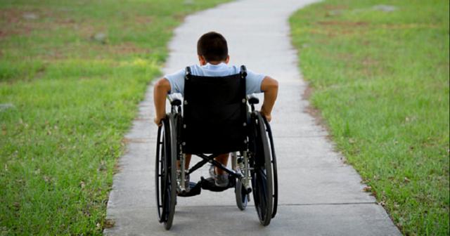 Το δύσκολο έργο των φροντιστών ατόμων με αναπηρίες