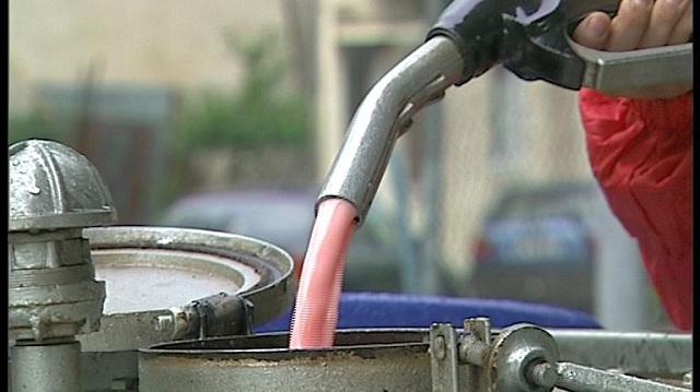Αγωνιούν επαγγελματίες και καταναλωτές για την εξομοίωση πετρελαίου θέρμανσης και κίνησης