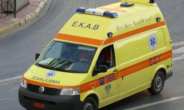 Tροχαίο με έξι τραυματίες στη Λάρισα
