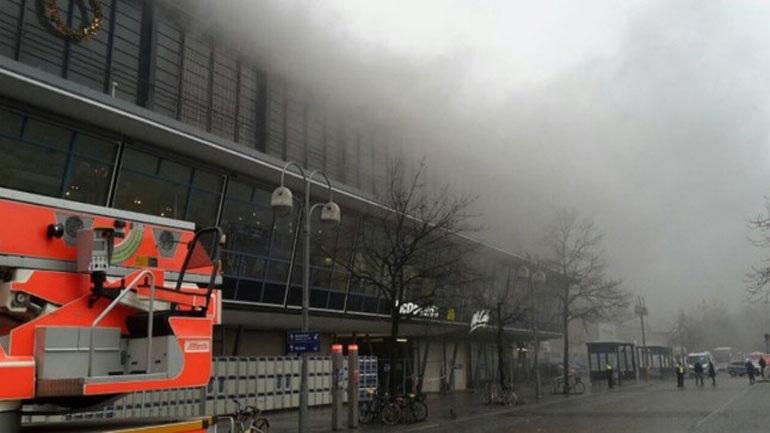 Διακοπή της κυκλοφορίας συρμών σε σταθμό του Βερολίνου λόγω πυρκαγιάς