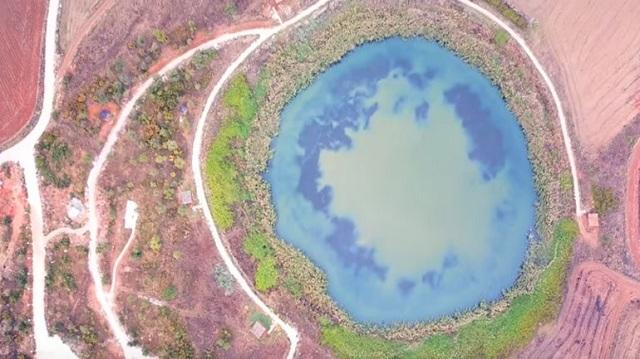 Τα μυστικά στολίδια της Μαγνησίας, οι λίμνες Ζερέλια από ψηλά [βίντεο]