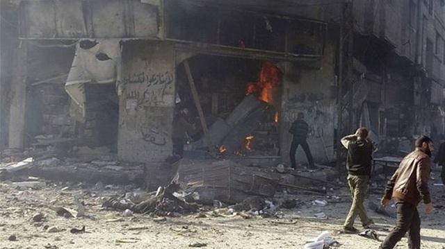 Σφοδρές μάχες και αεροπορικοί βομβαρδισμοί στη Δαμασκό με δεκάδες νεκρούς