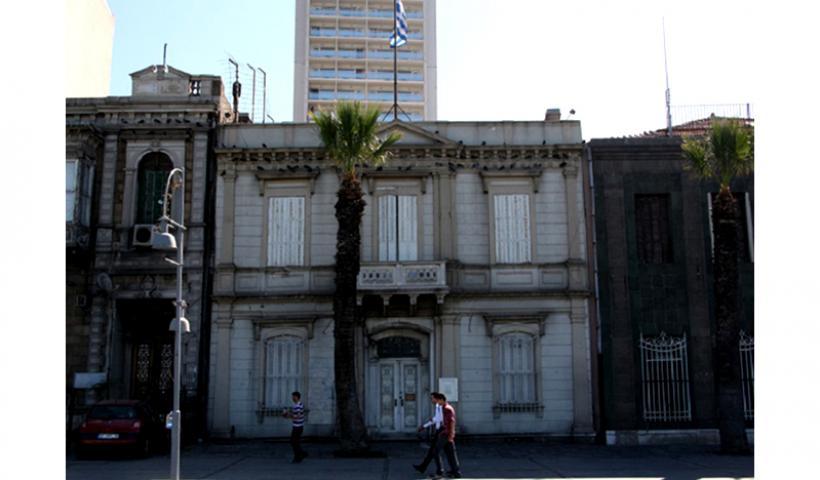 Απόπειρα εμπρησμού του ελληνικού προξενείου στη Σμύρνη