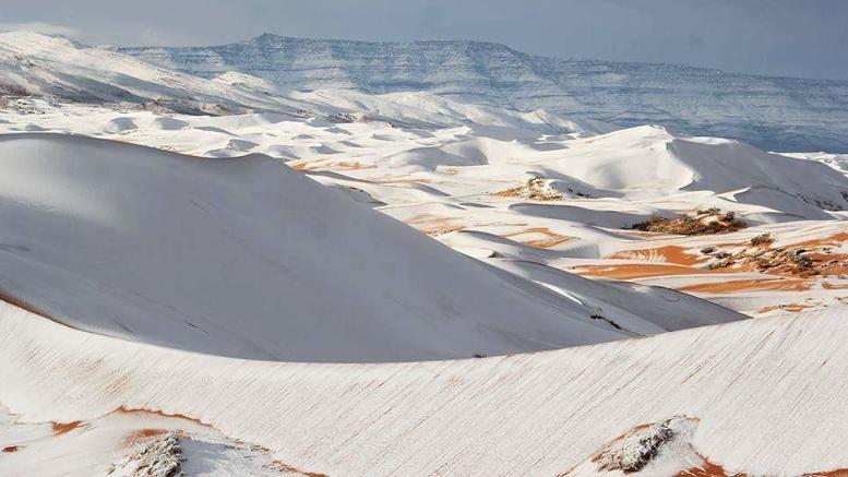 Ο καιρός τρελάθηκε: Χιόνια και χαλάζι στο... Μαρόκο!