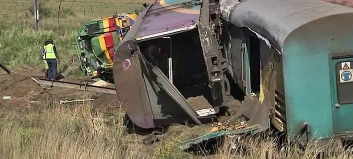 Σύγκρουση δύο τρένων στο Γιοχάνεσμπουργκ: Πάνω από 200 τραυματίες [εικόνες]