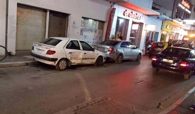 Τρελή πορεία αυτοκινήτου στο κέντρο της Λάρισας [photos]