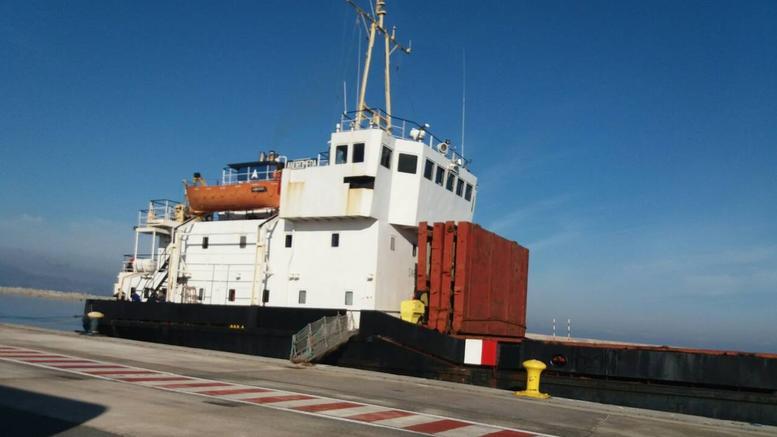 Πλοίο «κινητή βόμβα» στην Κρήτη, με 410 τόνους εκρηκτικών [εικόνες]