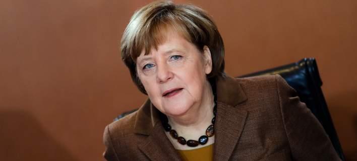 Μέρκελ: Ελπίζω ότι θα έχουμε κυβέρνηση μέχρι το Πάσχα