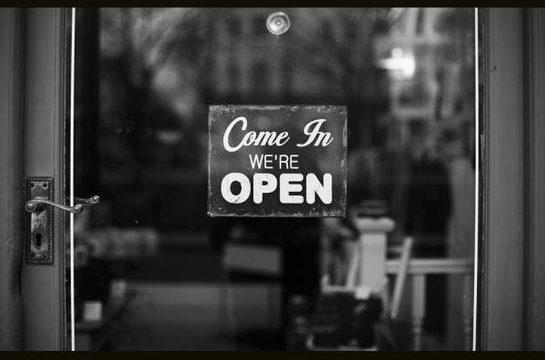 Ανοιχτή σήμερα η τοπική αγορά
