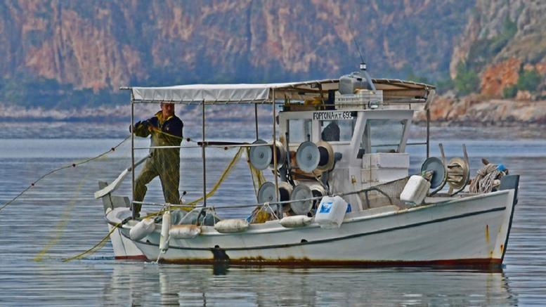 Κανένα ίχνος των ψαράδων που αγνοούνται από την Κυριακή στη λίμνη Μικρή Βόλβη