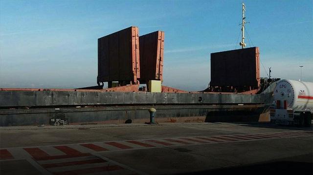 Απολογούνται σήμερα οι οκτώ του «Ανδρομέδα». Στο λιμάνι παραμένουν τα εκρηκτικά