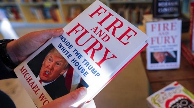 Ο συγγραφέας που «έκαψε» τον Τραμπ ξαναχτυπά: Όλοι τον θεωρούν βλάκα και τσαρλατάνο