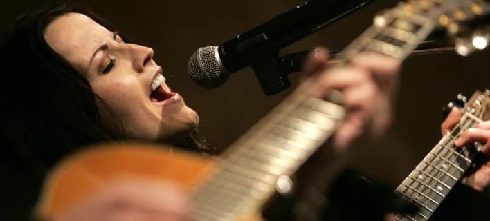 H γλυκιά φωνή των Cranberries σίγησε για πάντα. Πέθανε αιφνιδίως η Dolores Ο΄Riordan