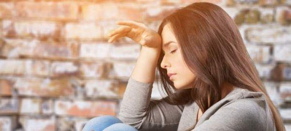 Καρδιακή προσβολή στις γυναίκες: Tα προειδοποιητικά σημάδια που πρέπει να γνωρίζεις