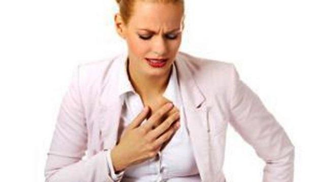 Η πρόωρη εμμηνόρροια και εμμηνόπαυση συνδέονται με αυξημένο κίνδυνο καρδιοπάθειας ή εγκεφαλικού
